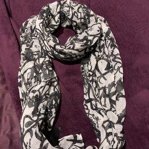 H & M scarf